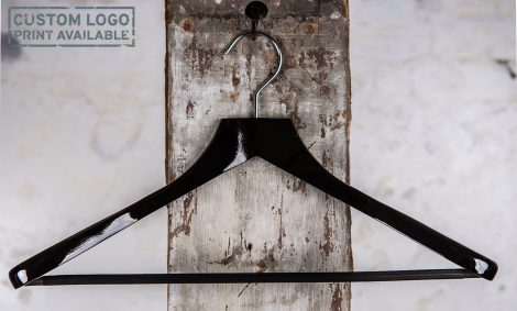 Crosby – black coat hanger w. bar
